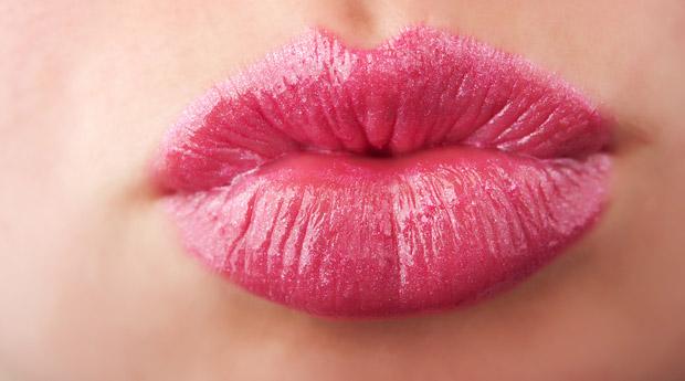 сниться поцелуй с знакомой